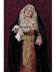 Virgen dolorosa de 60 ctm con exquisita policromia y magnificamente vestida