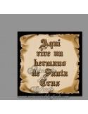 Se vende esta cerámica con el texto de Aquí vive un Hermano de Santa Cruz - Tu Tienda Cofrade