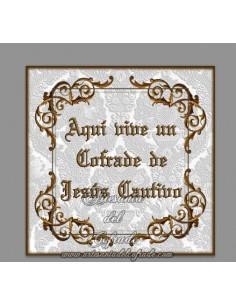 Azulejo con el texto de Aqui vive un cofrade de Jesús Cautivo, solo disponible en nuestra tienda de productos religiosos.