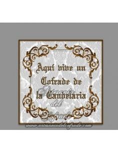 Azulejo cuadrado de Aqui vive un cofrade de la Candelaria, solo disponible en nuestra tienda de productos religiosos.