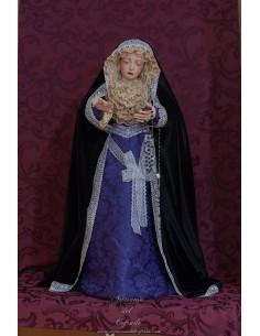 Virgen Dolorosa de 70 ctm de candelero magnificamente vestida