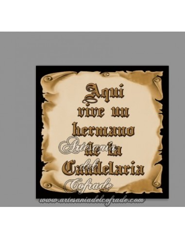 Azulejo con el texto de Aquí vive un Hermano de la Candelaria en venta - En venta en nuestra Tienda de Articulos Religiosos
