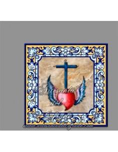 Azulejo religioso cuadrado con corazón y cruz