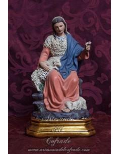 Figura de la Divina Pastora de 23,50 ctm de pasta cerámica policromada con oleos y patinada en venta