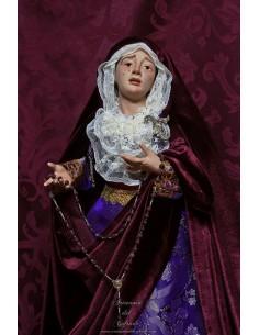 En venta esta bonita Virgen Dolorosa de 60 ctm de altura vestida solo en nuestra tienda cofrade.