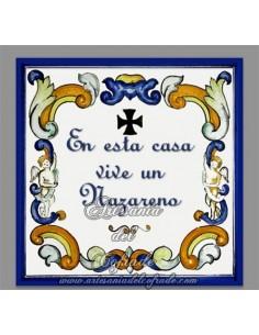 Azulejo cuadrado En esta casa vive un Nazareno, solo disponible en nuestra tienda de productos religiosos.