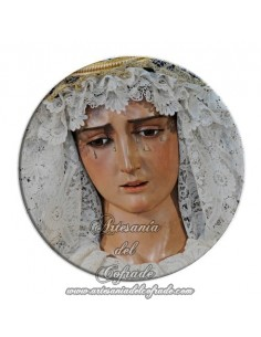 Imán redondo plastico de la virgen Dolorosa de la Hiniesta de Sevilla