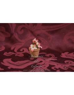 Maceta con flores blancas y rojas para  Belen